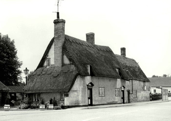 2 and 4 High Street in 1973 [Z50/19/27]
