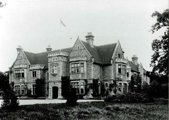 Bromham House from the south west in 1903 [Z50/21/25]
