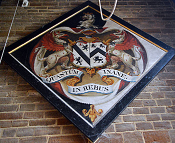 Osborn hatchment in Campton church April 2015