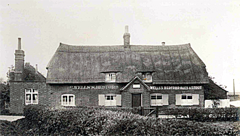 The Fox and Hounds about 1925 [WL800/2]