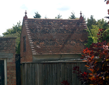 Outbuilding at Chapel Farm September 2009