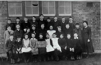 Cople School group about 1900 - Z50-33-4