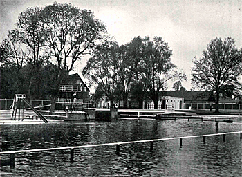 Diving stage, entrance block and footbridge in 1936 [BorBJ2/64]
