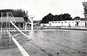The main pool in 1960 [BorBJ2/31]
