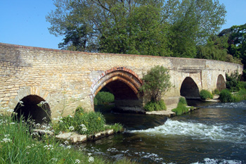 Harrold Bridge in May 2008