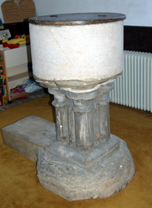 Harrold church - font May 2008