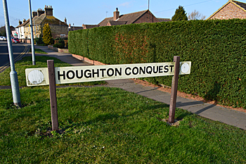 Houghton Conquest sign