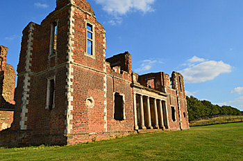 Houghton House west side loggia August 2016