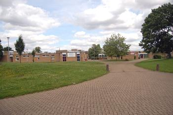 Picture of Hastingsbury Upper School taken in July 2007