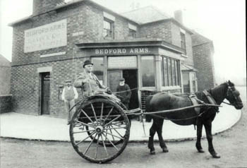 The Bedford Arms about 1906 [Z50/67/149]