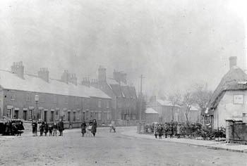Picture of up end at the junction of Bunyan Road and Saint John's Road about 1900