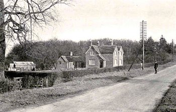 Knotting Fox Cottages in 1922  [Z1246/1]