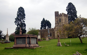 Old Linslade church from the north May 2008