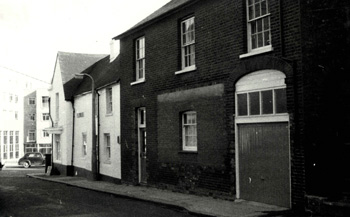 The Brewery Tap in the 1960s - Park Street West frontage [WB/Flow4/5/Lu/BT2]