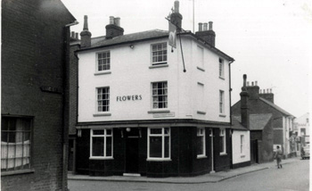 The Greyhound, seen from Langley Street, about 1960 [WB/Flow4/5/Lu/Grey1]