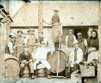 Workmen in the Crown yard c.1895 [P10/28/14]
