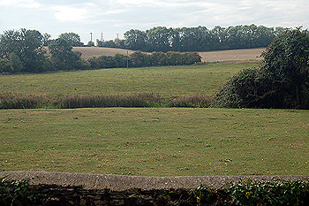 Oakley countryside looking south from the churchyard August 2011