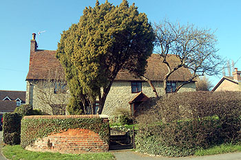 80091f10824 Hosted By Bedford Borough Council  Queens College Farmhouse Oakley