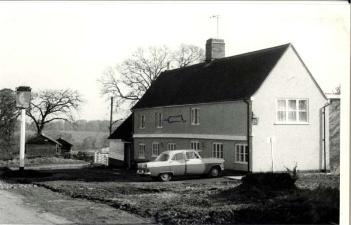 The Half Moon public house in the 1960s [WB/Flow4/5/Pep/HM1]
