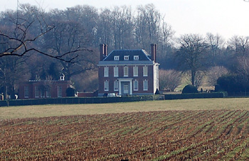 Segenhoe Manor seen from Ridgmont High Street January 2011