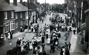Band of Hope procession in High Street about 1914