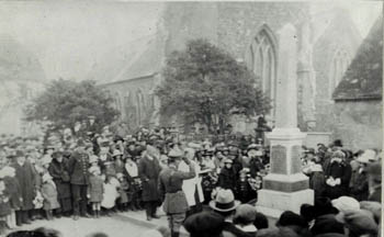 unveiling of the war memorial 11th November 1921 - Z50-101-5