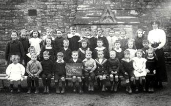 Z50-142-89 school group 1912