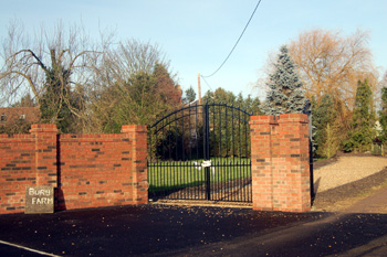 Entrance to Bury Farm December 2008