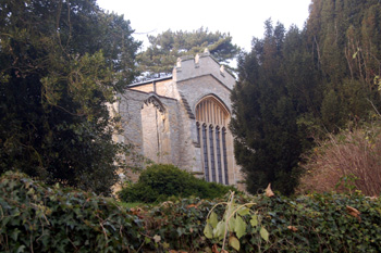 The church east end from the footpath December 2008