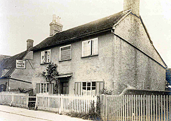 The White Hart in 1925 [WL800-5]