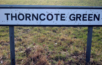 Thorncote Green sign March 2010