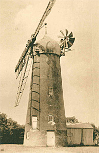 Thurleigh Windmill about 1930