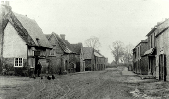 The High Street looking north-east with the Chequers in the left foreground about 1900