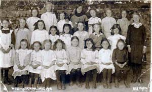 Woburn Council Girls' School group 1916 [Z252/3]